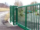 Ocelová posuvná brána pro průmysl, provedení PI 130, výplň profil 25 x 25 mm, barva zelená RAL 6005