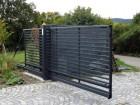 Moderní posuvná brána z ocelových profilů MODERN, vzor AW.10.105, barva šedá grafitová RAL 7016