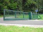Ocelová posuvná brána pro průmysl, provedení PI 200, výplň profil 25 x 25 mm, barva zelená RAL 6005