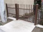 Kovový plot z dutých ocelových profilů, provedení CLASSIC, vzor AW.10.06 , barva hnědá RAL 8014