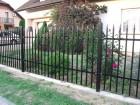 Kovový plot z dutých ocelových profilů, provedení VARIO, vzor AW.10.81 , barva černá mat RAL 9005