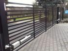 Moderní křídlová brána z ocelových profilů MODERN, vzor AW.10.105, barva černá mat struktura RAL 9005