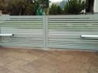 Hliníková křídlová brána NOVUM, vzor N 03, barva šedá RAL 7030