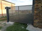 Moderní křídlová brána z ocelových profilů MODERN, vzor AW.10.106, barva antracit